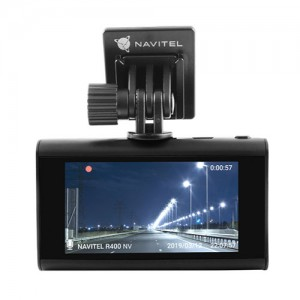 Navitel R400 NV – качественный регистратор с акцентом на ночную съемку